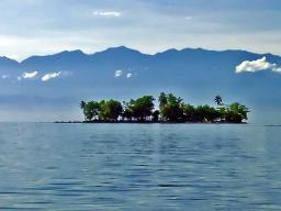 Little Pig Island against the Finnesterre Mountains