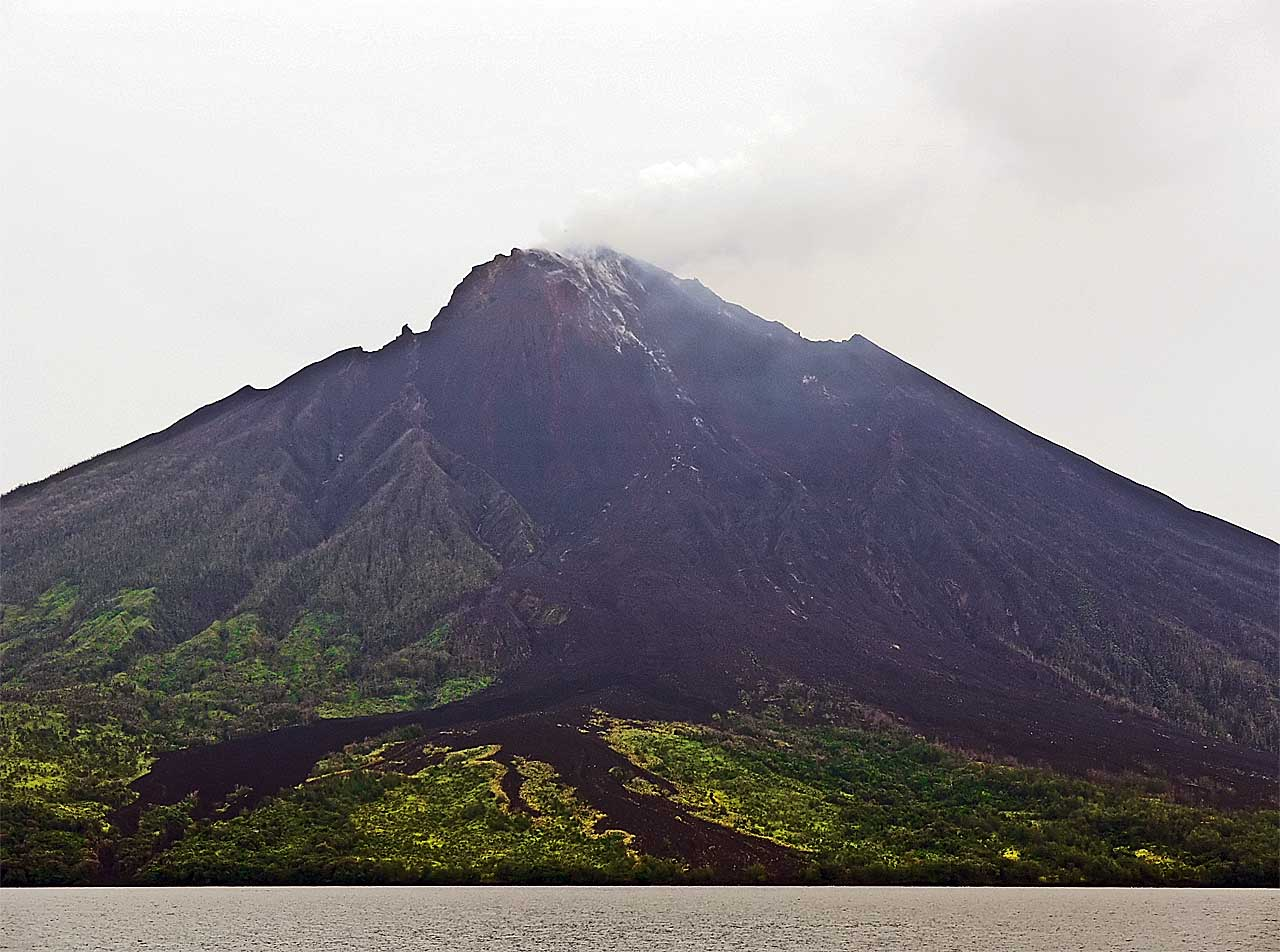 A slightly less horrible shot of the Manum Island volcano