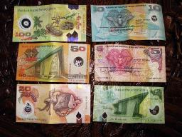 PNG folding currency
