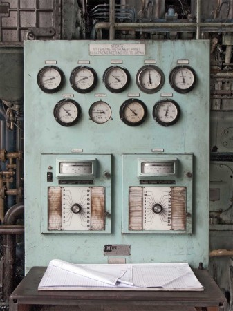 The control panel of the old Niigata generator