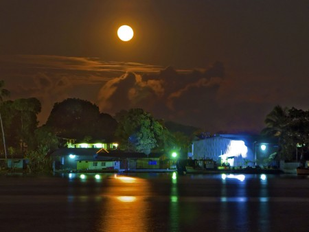 Moonrise over Madang