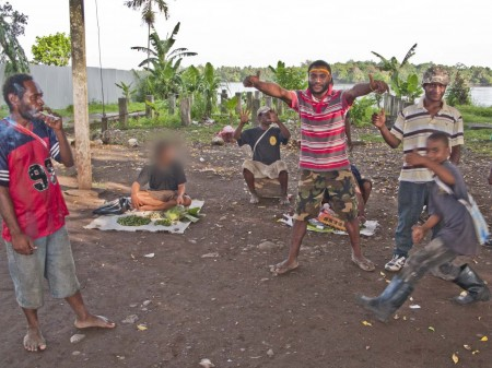 Illegal buai market in Madang Town