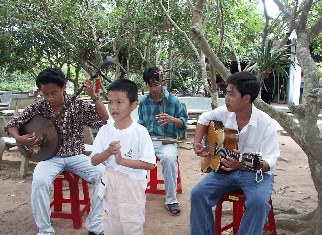 This Mekong Delta singer had a beautiful voice